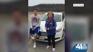 Teresa Young heads to Omaha to watch son play - Video