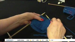 Naples woman teaches knitting in quarantine
