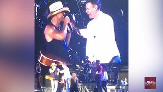 Miranda Lambert talks about spending time with Randy Travis | Rare Country - Video