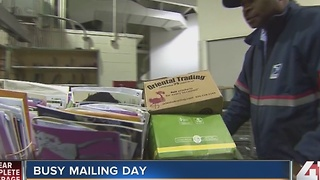 Busiest mailing day in Kansas City - Video