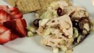 Healthy Lunch Ideas: Chicken Salad And Fruit Spritzer - Video