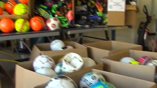 Teen gives soccer balls to kids in need - Video