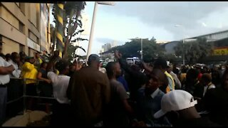 WATCH: Police, supporters of criminally charged Durban mayor clash in city (WVA)