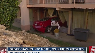 Car Crashes Into Days Inn On Murfreesboro Road - Video