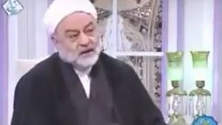 Abuse allegations against top Qur'an reciter in Iran - Video