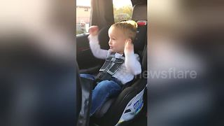 Boy, 3, gets overly excited as he sees a train for the first time - Video