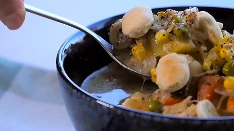 How to make chicken pot pie soup