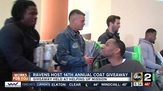 Ravens giving back to their community for Thanksgiving - Video