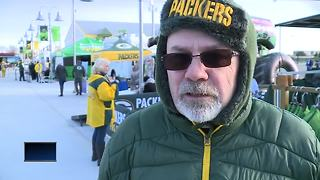 Packers fan travels from TN to see game in Lambeau - Video
