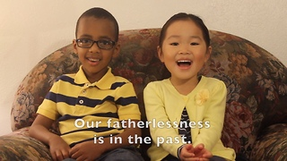 Little kids deliver special Father's Day message - Video