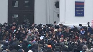 Hundreds Protest at Kemerovo Government Office Following Deadly Mall Fire - Video