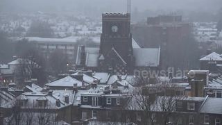 West London blanketed in snow on Sunday morning - Video