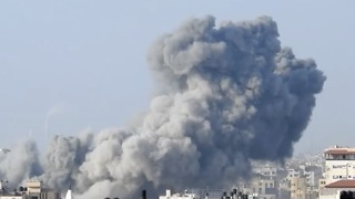 Plumes of Smoke Rise After Israeli Strike in Gaza City - Video