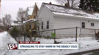Families fight to stay warm at home - Video