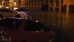 'Extreme Weather Event' Sweeps Over Hobart, Vehicles and Buildings Flooded - Video
