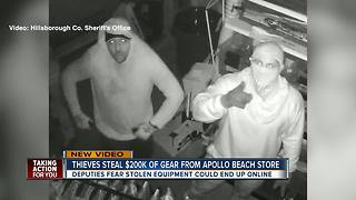 Thieves caught on camera stealing thousands of dollars in marine equipment in U-Haul - Video