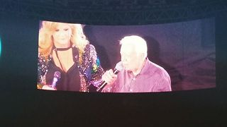 Jimmy Carter Joins Garth Brooks and Trisha Yearwood On Stage During Atlanta Stadium's Inaugural Concert - Video