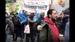 'Respectful' Climate Change Protest Forces Lockdown of Broadcasting House - Video
