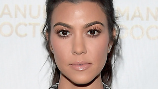 Kourtney Kardashian Has EXPLOSIVE Fight With Scott Disick On July 4! - Video