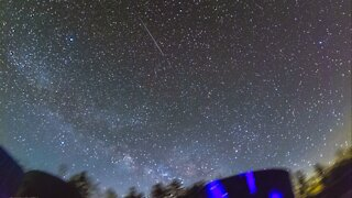 Mesmerizing time lapse of the Milky Way over mountain cabin