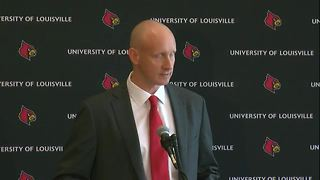 University of Louisville introduces Chris Mack as new basketball coach - Video