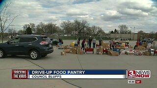 Drive-up food pantry in Council Bluffs