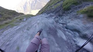 Speed, rocks and barrel rolls! Daredevil speed-files down mountain face