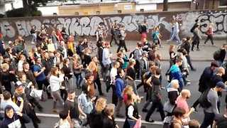 Thousands 'Rave' Against G20 Summit at Hamburg Port - Video