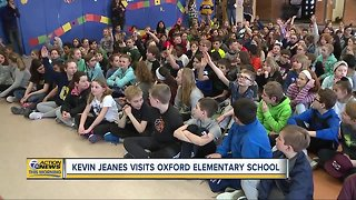 Kevin Jeanes visits Oxford Elementary School