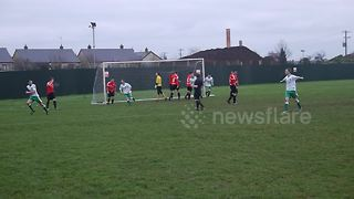 Non league footballer scores directly from corner - Video