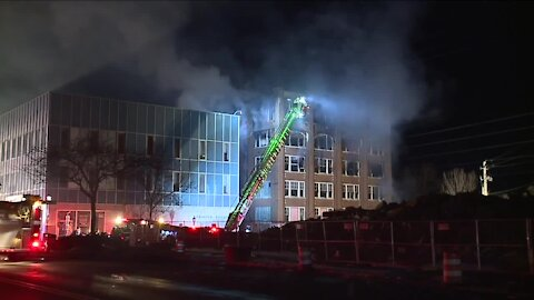 Fire destroys building that was formerly home to Uncle Vic's in Elyria; 2 teens arrested