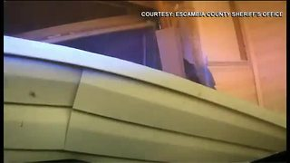 Florida deputy slams patrol car into ex-wife's home in - Video