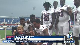 FAU Football Holds Meet and Greet - Video