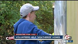 Students help Anderson homeowners prepare for winter - Video