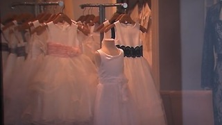 Alfred Angelo could auction off dresses - Video