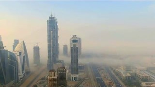 Amazing Footage of Fog Rolling Through Dubai - Video