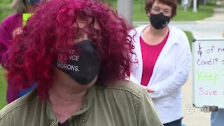Shawnee Mission School District retains mask requirement, despite protest