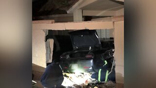NHP: Suspected DUI driver crashes into home near 215, Far Hills Drive