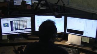 Nationwide shortage of 911 dispatchers | Digital Short - Video