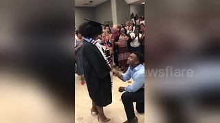 Woman gets emotional when boyfriend proposes to her at graduation ceremony - Video