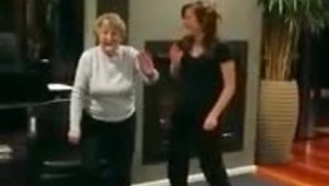 Grandma busts out impressive dance moves - Video