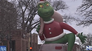 Green Bay Holiday Parade Draws Crowds - Video