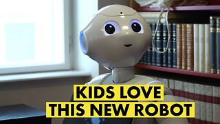 Austrian scientists test how kids react to a new robot - Video