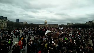 Thousands Gather in Paris for Youth 'Climate Strike' - Video