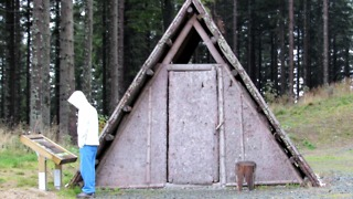 Humble dwelling covered with bark called Skorjanka - Pohorje, Kope, Slovenija - Video