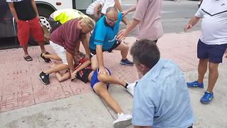 UK tourist films brawl on party island Ibiza - Video