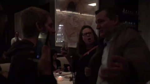 Protesters 'Ambush' Ted Cruz at Washington Restaurant, Forcing Him to Leave