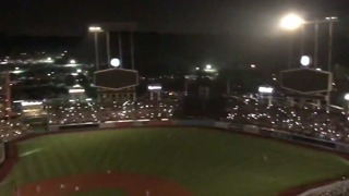 Dodger Stadium Power Outage Leaves Players, Fans in the Dark - Video