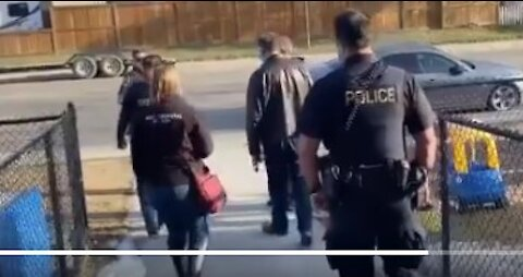 """Calgary Pastor Throws 5 Officers And A """"Health Inspector"""" Out Of Parish!"""