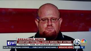 Coach dies after shielding students from gunfire in Parkland - Video
